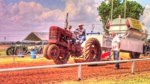 Antique Tractor_800x450